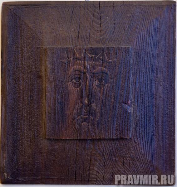 Тихомиров Александр, Христос в терновом венке. Дерево, темпера, 35х33 см, 2001, Благовещенск