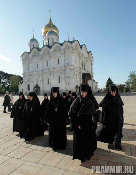 Патриаршая литургия в Кремле и молебен у храма Василия Блаженного. Фото Владимира Ходакова (1)