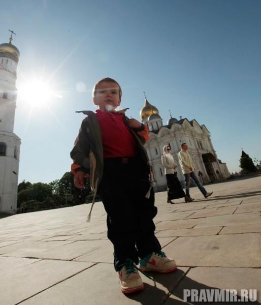 Патриаршая литургия в Кремле и молебен у храма Василия Блаженного. Фото Владимира Ходакова (2)