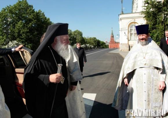 Патриаршая литургия в Кремле и молебен у храма Василия Блаженного. Фото Владимира Ходакова (5)
