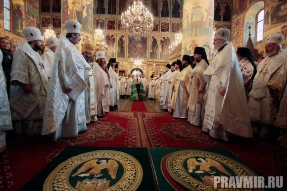 Патриаршая литургия в Кремле и молебен у храма Василия Блаженного. Фото Владимира Ходакова (9)