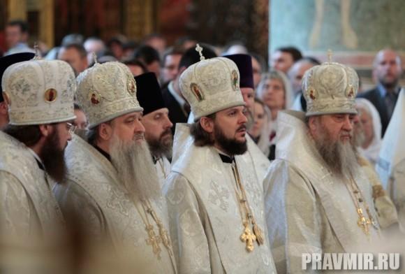 Патриаршая литургия в Кремле и молебен у храма Василия Блаженного. Фото Владимира Ходакова (16)