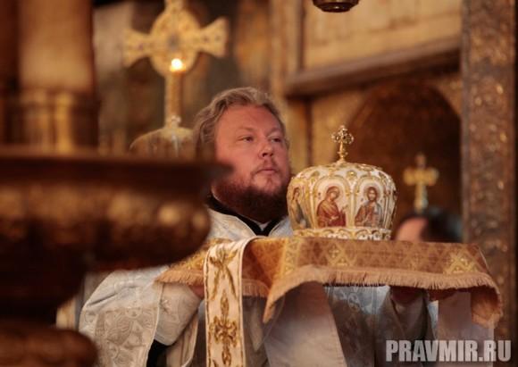 Патриаршая литургия в Кремле и молебен у храма Василия Блаженного. Фото Владимира Ходакова (19)