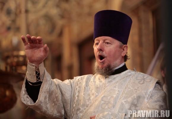 Патриаршая литургия в Кремле и молебен у храма Василия Блаженного. Фото Владимира Ходакова (22)