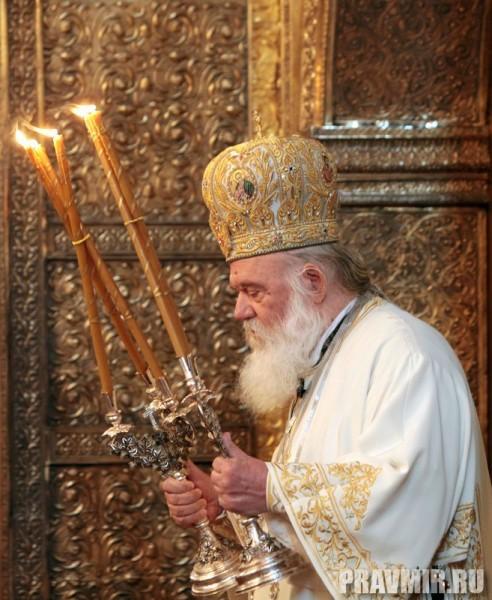 Патриаршая литургия в Кремле и молебен у храма Василия Блаженного. Фото Владимира Ходакова (23)