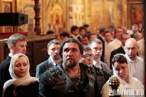 Патриаршая литургия в Кремле и молебен у храма Василия Блаженного. Фото Владимира Ходакова (24)