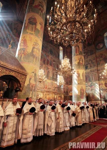 Патриаршая литургия в Кремле и молебен у храма Василия Блаженного. Фото Владимира Ходакова (26)