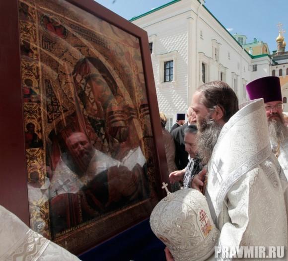 Патриаршая литургия в Кремле и молебен у храма Василия Блаженного. Фото Владимира Ходакова (28)