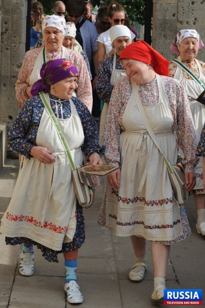 Бурановские бабушки гуляют по Баку