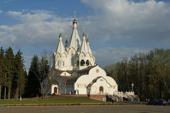 каменный Храм Свв. Новомучеников и исповедников Российских в Бутове