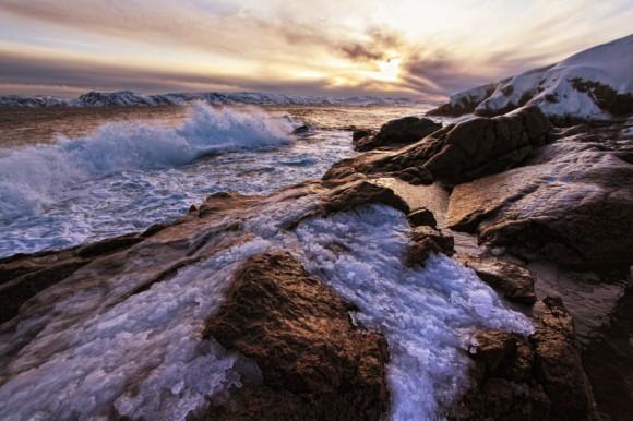 Утреннее волнение моря. Село Териберка, Мурманская область. Автор: Дмитрий Горшенёв