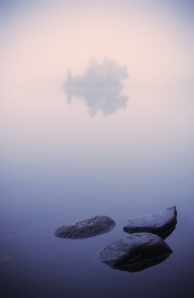 Вечерний туман на Вуоксе. Озеро Вуокса, Карельский перешеек Ленинградской области.  Автор: Виктор Калеченков