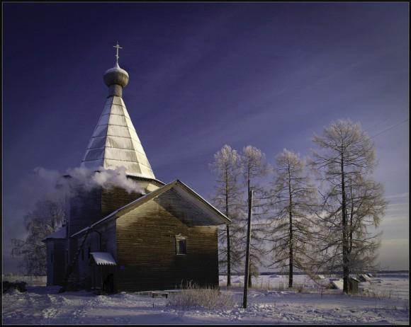 Белая ночь. Церковь Иоанна Златоуста в деревне Саунино Каргопольского района. Выбор редакции.  Автор: Всеволод Тоботрас
