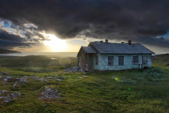 Уходящий шторм. Поселок Териберка, Кольский полуостров.  Автор: Илья Мельников
