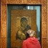 Москвичи молятся у Владимирской иконы Божией Матери (+ ФОТО)