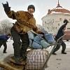 Кто поможет молдавским мигрантам?