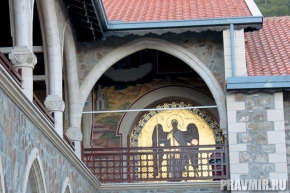 Патриарх Кирилл в Киккском монастыре (32)