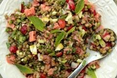 Постная еда с Анной Людковской: салат из гороха маш и копченого лосося