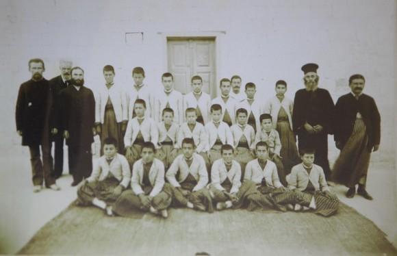 Учащиеся Назаретской мужской учительской семинарии ИППО (1898 г.)