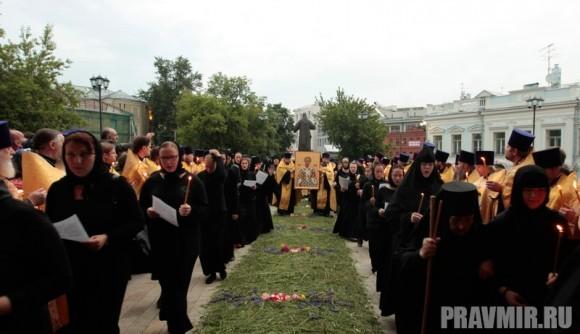 Мощи святого Лазаря Четверодневного в России. Фото Владимира Ходакова (12)