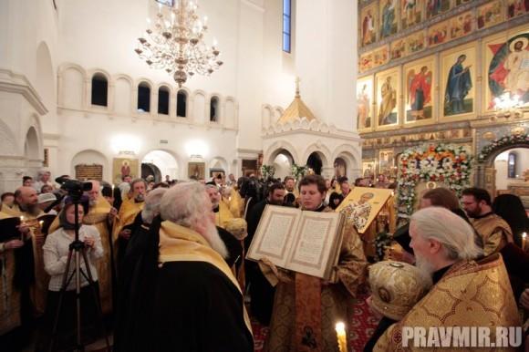 Мощи святого Лазаря Четверодневного в России. Фото Владимира Ходакова (15)