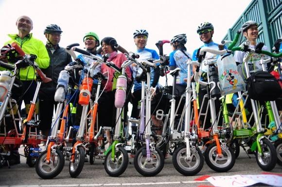 Складные велосипеды. Гонконг, 2011 год