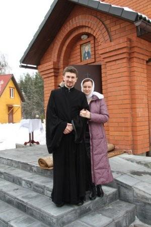 Священник Николай Шапорев с супругой