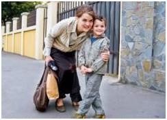 Даниэла Попа вместе со своим шестилетним сыном Антонием