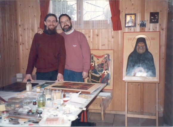 В мастерской о.Мишеля. Фото из архива Павла Бусалаева