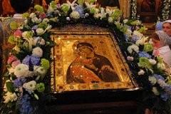 Владимирская икона: Христос делает шаг, чтобы спасти нас