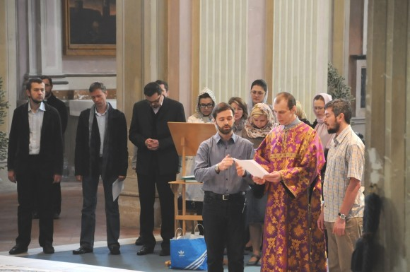 Студенты-клирошане в храме святого Алексия в день памяти человека Божия Алексия