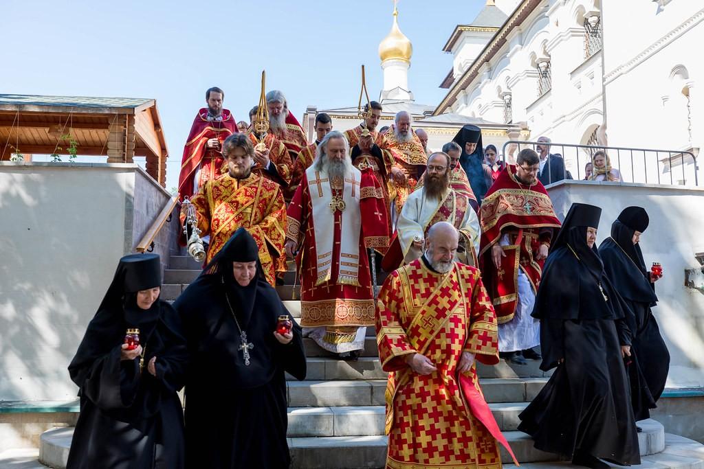 Зачатьевский монастырь. Духовенство