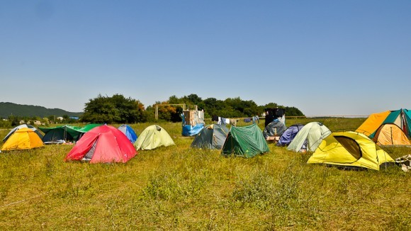 Баканка, лагерь волонтеров