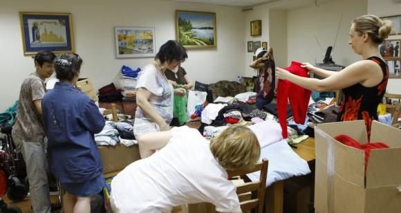 Сбор помощи и доктора Лизы. Фото Владимира Ходакова (11)