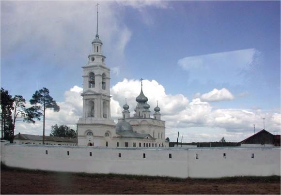 Свято-Николо-Тихонов монастырь