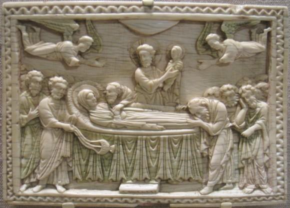 Резьба по кости. Византия. Константинополь. X в. Успение Пресвятой Богородицы.