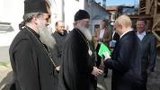 Почему валаамский игумен поцеловал руку Путину?
