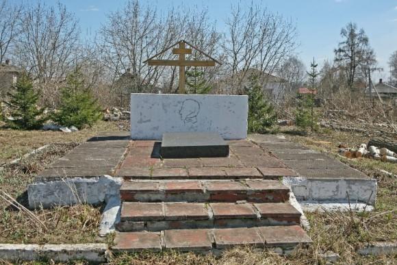 Место первого захоронения Багратиона в церкви Димитрия Солунского в селе Симе, что в 18 километрах от Юрьева-Польского.