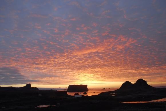 Закат на Антарктиде
