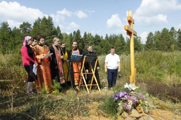В Екатеринбургской епархии совершили молебен на месте обнаружениячеловеческих эмбрионов.