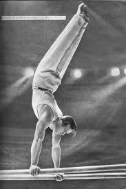 Виктор Чукарин. В начале Великой Отечественной войны Чукарин ушёл на фронт добровольцем. Воевал в артиллерийской части. Попав в плен возле Полтавы, прошёл через 17 концентрационных лагерей, в том числе Бухенвальд. Абсолютный чемпион Олимпийских игр (1952, 1956), мира (1954), СССР (1949—1951, 1953, 1955); чемпион Олимпийских игр (7 раз в 1952, 1956, всего 11 олимпийских наград)