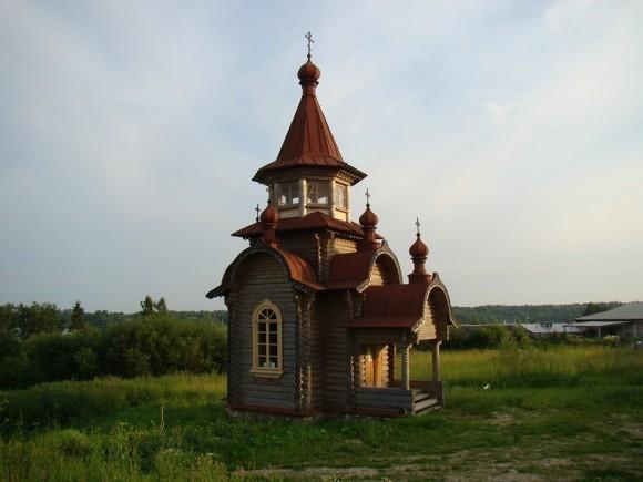 Часовня во имя новомучеников Кирилловских на г. Золотухе. Фото: delorus.com