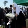Патриарх Кирилл почтил память жертв цунами в районе Арахама и возложил цветы к памятнику
