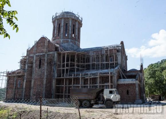 Строящийся собор