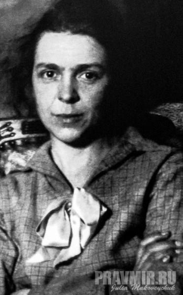 Мария Николаевна Соколова, в будущем известный иконописец - матушка Иулиания