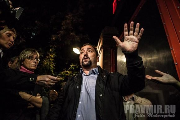 Общаться с журналистами приехал Кирилл Фролов