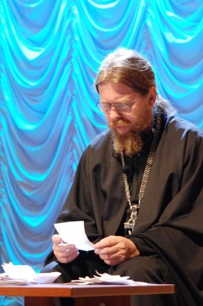 Фото священника Максима Бурдина