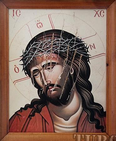 Оскверненная икона Христа из Иоанно-Предтеченского храма Мозыря. 26 июня 2012 года