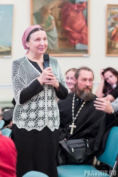 Вопросы задавали не только автору книги, но и ее героине – матушке Ольге.