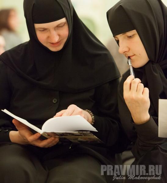 Сестры-журналисты факультета православной журналистики (Малоярославец) на базе РГСУ